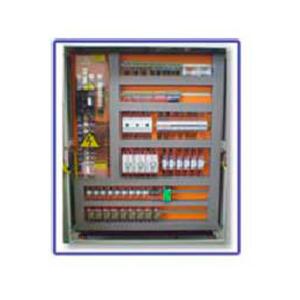 Montagem de painel elétrico industrial
